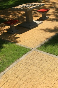 Beganit zolty plukany Obrzeze chodnikowe szary gladki 5