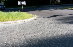 Tetka grafitowy gladki z-faza Obrzeze trawnikowe szary gladki AA